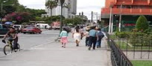 En Tigre se prohíbe fumar en lugares al aire libre