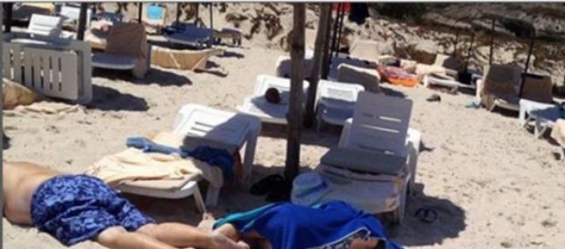 L'attacco terrorista nelle spiagge tunisine
