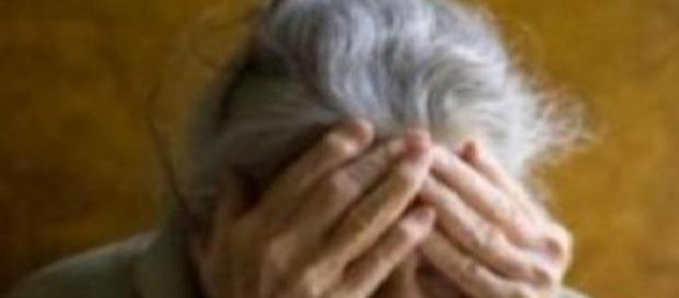 O bătrână a fost violată  de un consătean