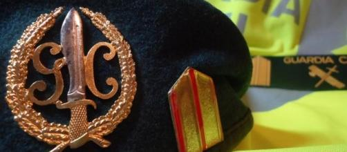 Boina y chaleco de la Guardia Civil