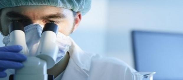 Experts work hard to eliminate HIV transmission