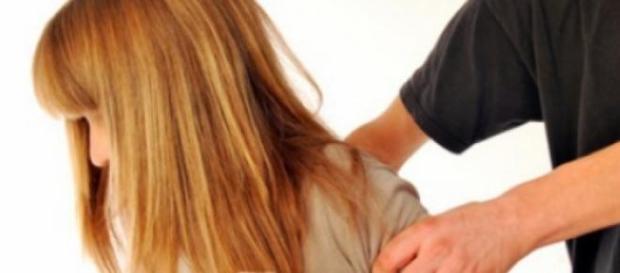 Tot mai mulţi copii sunt violaţi în România
