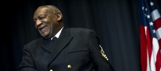Bill Cosby con el uniforme de la Marina de EE.UU.