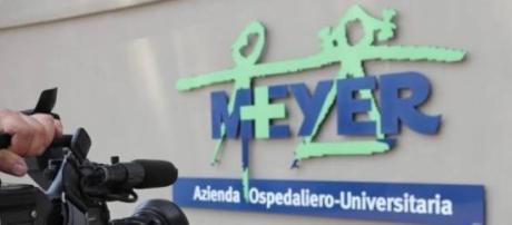 Esterno dell'Ospedale Meyer dov'è il bambino