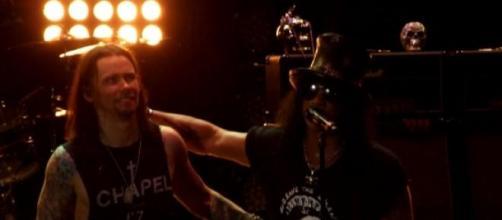 Slash grabará un nuevo álbum al finalizar la gira