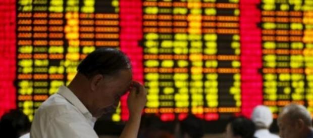 Bolsas de China, con analista bursatil