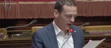 Riforma scuola, M5S contro ricatto Renzi-Giannini