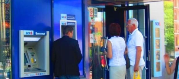 Retragerile de la bancomate au fost limtate