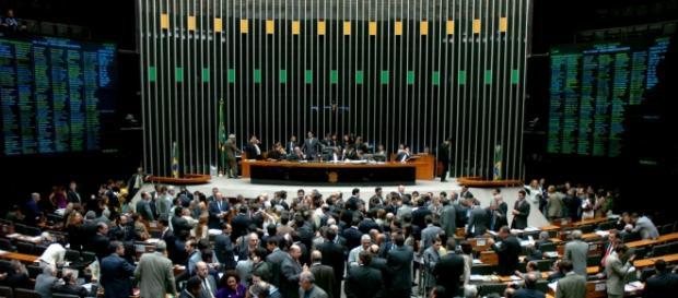 Câmara pode aprovar projeto na terça (4)