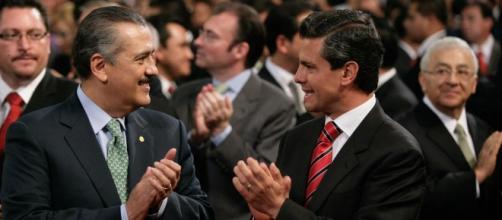 Enrique y Manlio: ¿aplausos mutuos?