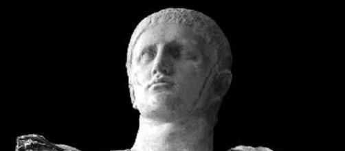Estátua de Marco Trajano - Imperador Romano