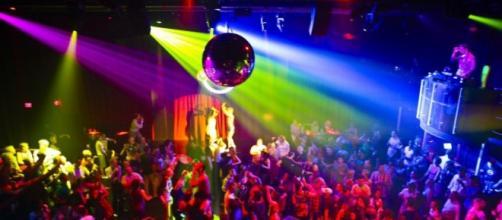 Ferragosto 2015 in Discoteca con tanta musica
