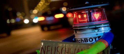 hitchBOT fait de l'autostop à Munich (Allemange)