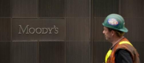 Agência Moody's rebaixa nota de crédito do Brasil