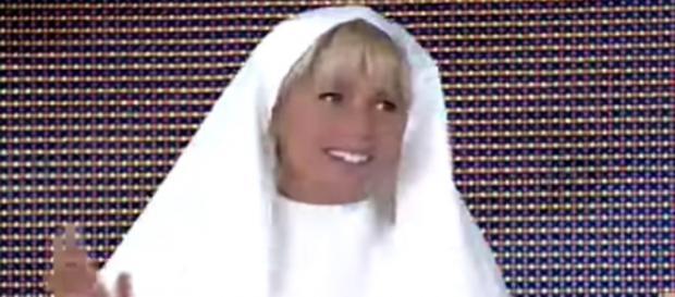 Xuxa está proibida de falar de religião