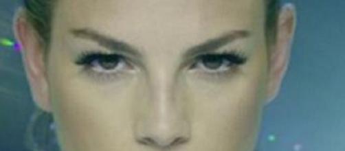 Emma Marrone contro il gossip e i paparazzi