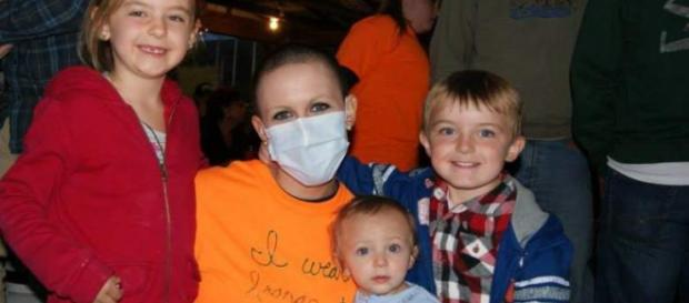 Brandi Lee Weaver-Gates acusada de falso cáncer