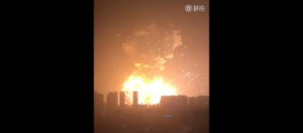 Esplosione a Tianjin, Cina, 50 vittime accertate