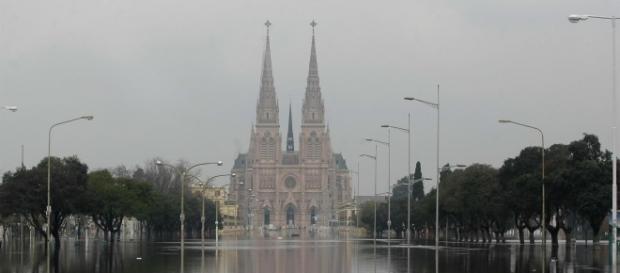 En Luján ya hay alrededor de 900 evacuados