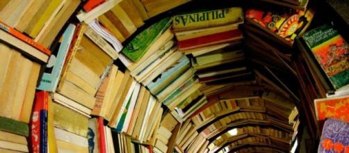 Vortex de libros. Remolinos de libros.