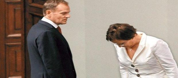 Premier Kopacz składa hołd przewodniczącemu