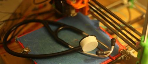 Lo stetoscopio fatto con la stampante 3D