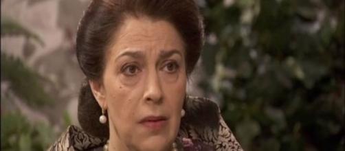 Donna Francisca lascia la villa