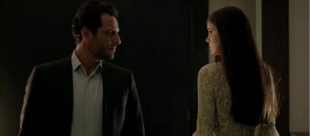 Alex ameaça Gui de morte por ciúmes de Angel