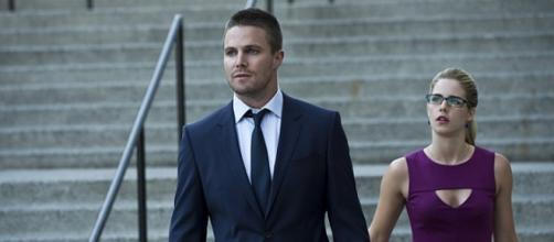 Oliver Queen e Felicity Smoak in Arrow
