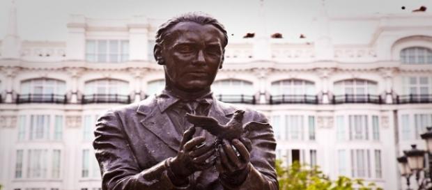 Estatua de Federico García Lorca en Madrid.