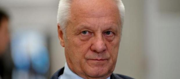 Stefan Niesiołowski przestrzega przed PiS-em.