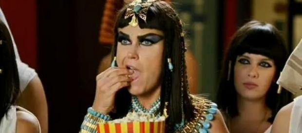 Xuxa manda indireta para filme da Globo