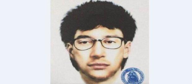 L'homme sous mandat d'arrêt en Thaïlande