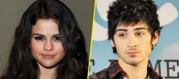 Os dois cantores estão muito próximos.