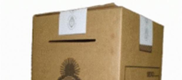 La urna espera la decisión de los votantes