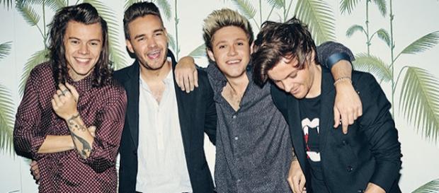 One Direction cantaram ao vivo 'Drag Me Down'