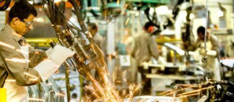A indústria vem sofrendo com os efeitos da crise