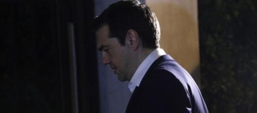 Tsipras lascia, ma è solo un arrivederci
