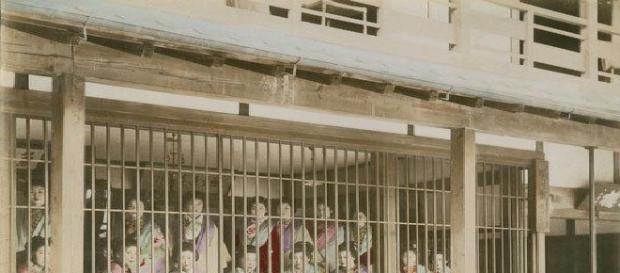 Prostituate din Japonia ținute în cuști