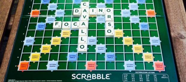 Scrabble, partita dal vivo a tema animalesco