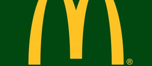 Logo McDonald's, restaurante fast-food