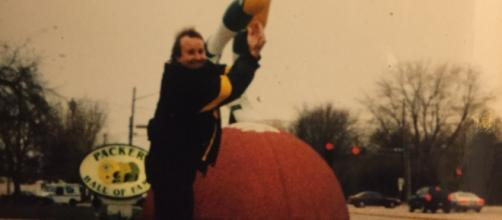 That's me, making the catch at the HOF in 2000.