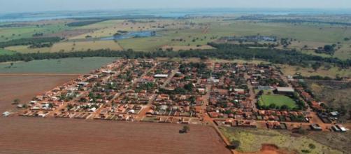 Vista aérea da cidade de Água Comprida - MG/Google