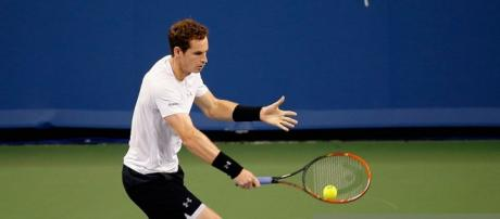 Andy Murray reach the quarter-finals