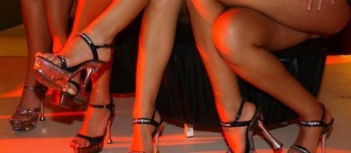 Prostitute presenti in una casa chiusa