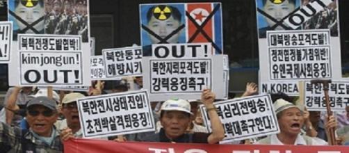 Surcoreanos en contra del régimen norcoreano