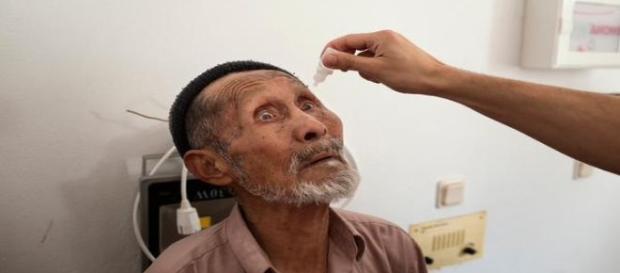 Inmigrante recibiendo atención sanitaria. MSF