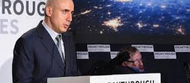 Milner e Stephen Hawking presentano Breakthrough.