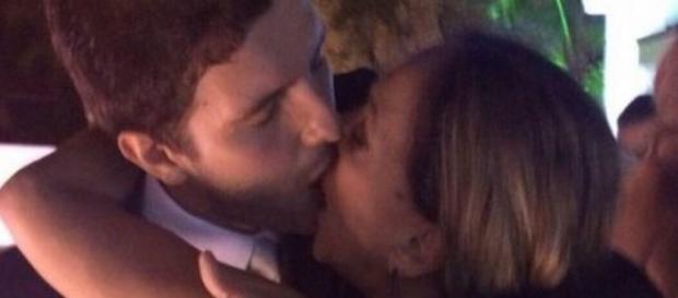 Susana Vieira é flagrada beijando homem mais novo