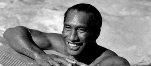 Duke Kahanamoku '' El padre del surf moderno ''